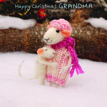 WX23 grandma hug